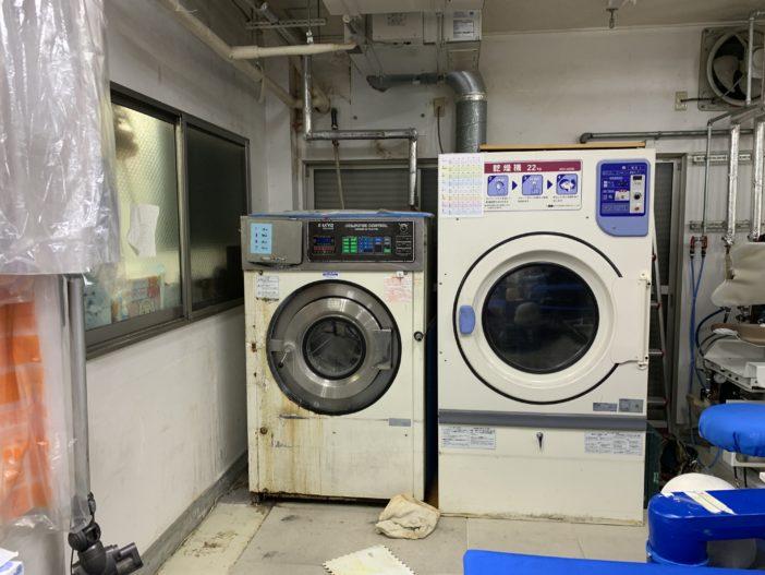 水洗機とタンブラー乾燥機の入れ替え工事